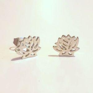 Jewelry - Silver Lotus Stud Earrings NEW